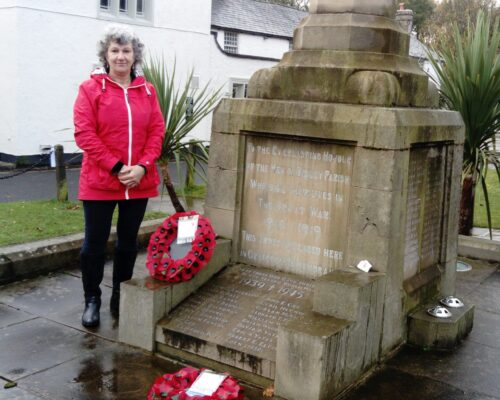 Cllr Jackie Pattison laying a wreath on behalf of Disley Parish Council